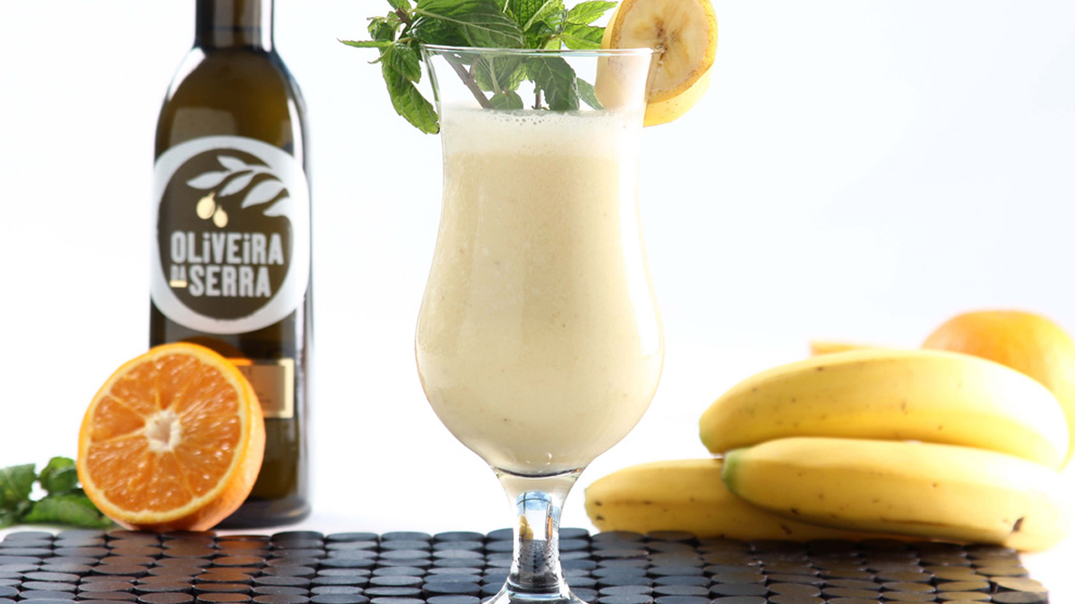 COCKTAIL DE BANANA E LIMÃO